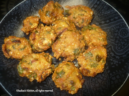 Piyaju / lentil fritters