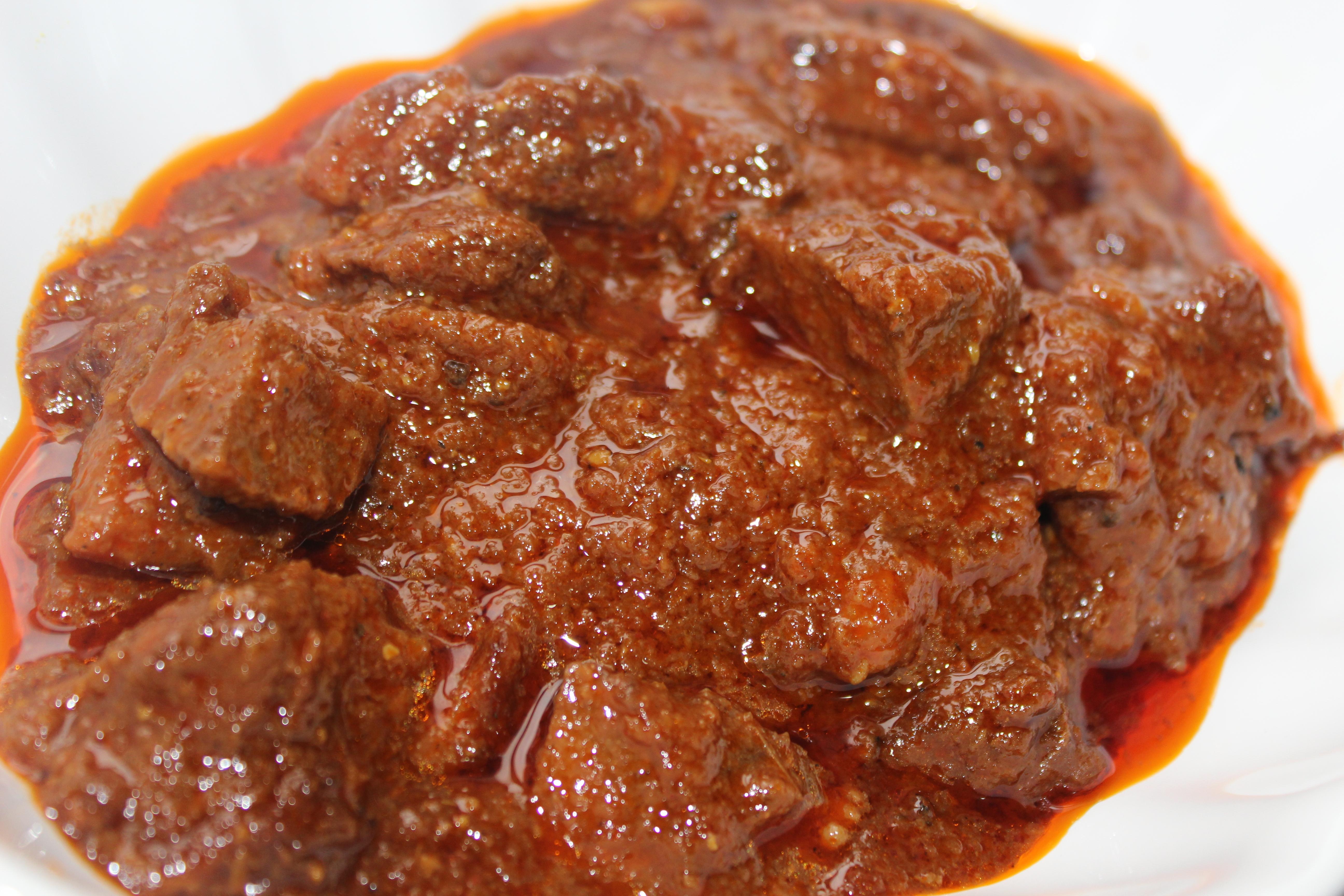 Tomato gosht ( Meat curry in tomato gravy) | Khadiza's Kitchen